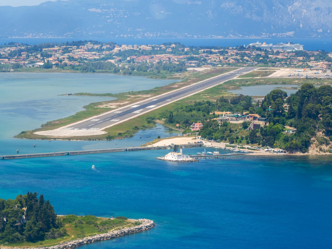 'Aerial view of Corfu airport in Greece' - Corfù